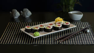 the-sushi-bar-dragon-eel-roll