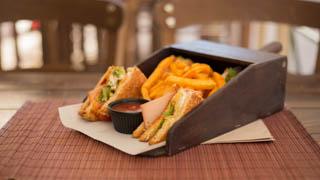 chalet-de-crepes-club-sandwich-γαλοπούλα