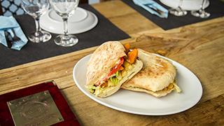 galeone-sandwich-κοτομπουκιές