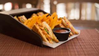 chalet-de-crepes-club-sandwich-κοτόπουλο