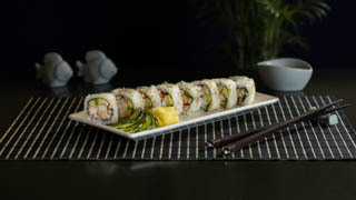 the-sushi-bar-california-(inside-out)