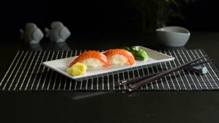 the-sushi-bar-sake-nigiri