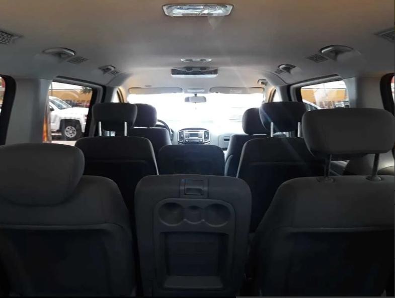 Hyundai Starex, 2019 12 Pasajeros lleno