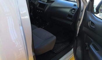 Nissan NP300 2018 Estacas lleno