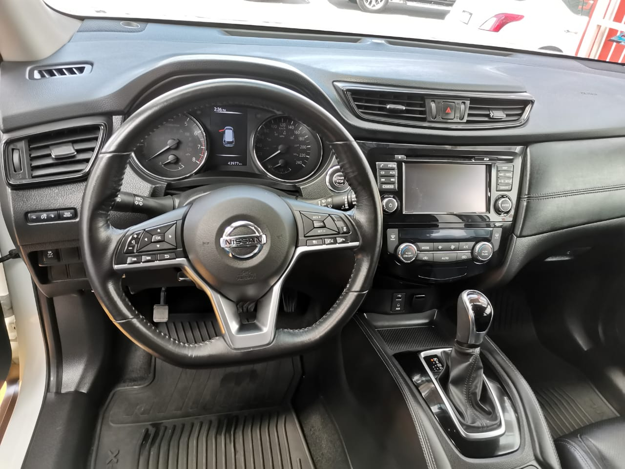 NISSAN X-TRAIL 2018 Exclusive 3 ROW lleno