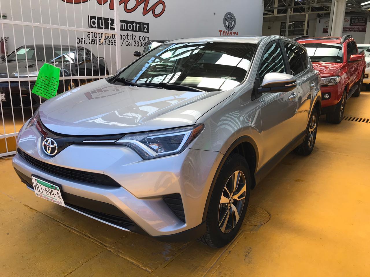 Toyota RAV4, 2017 XLE PLUS 4WD AT lleno
