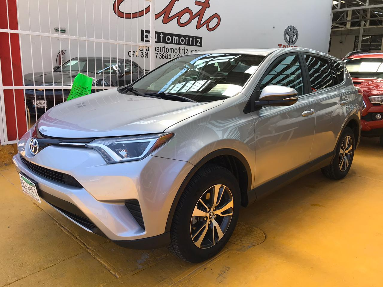 TOYOTA RAV4, 2017 XLE PLUS 4WD AT