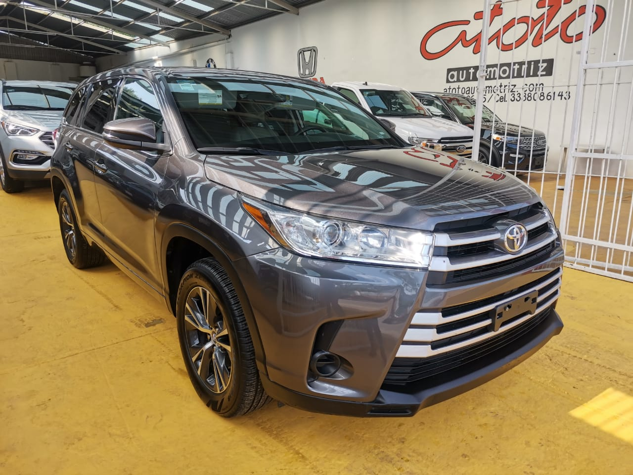Toyota Highalnder 2018 Le At lleno