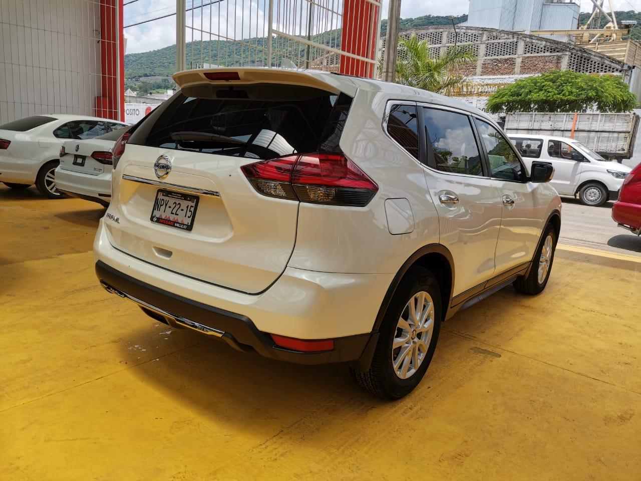 Nissan X-Trail, 2019 Sense 2 Row lleno