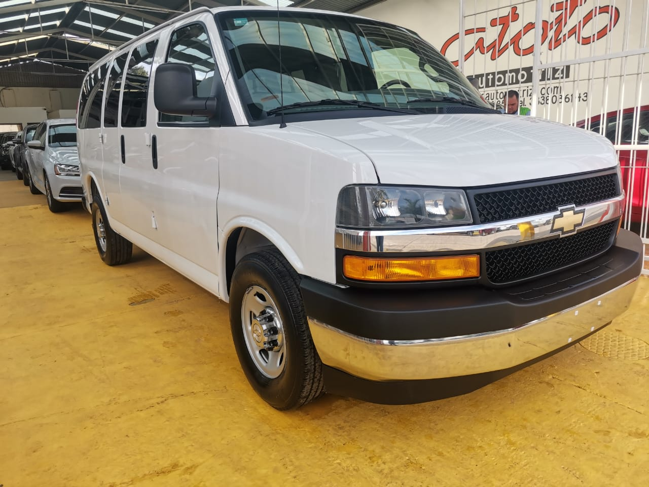 Chevrolet Express, 2018 Ls L 12 Pas At lleno