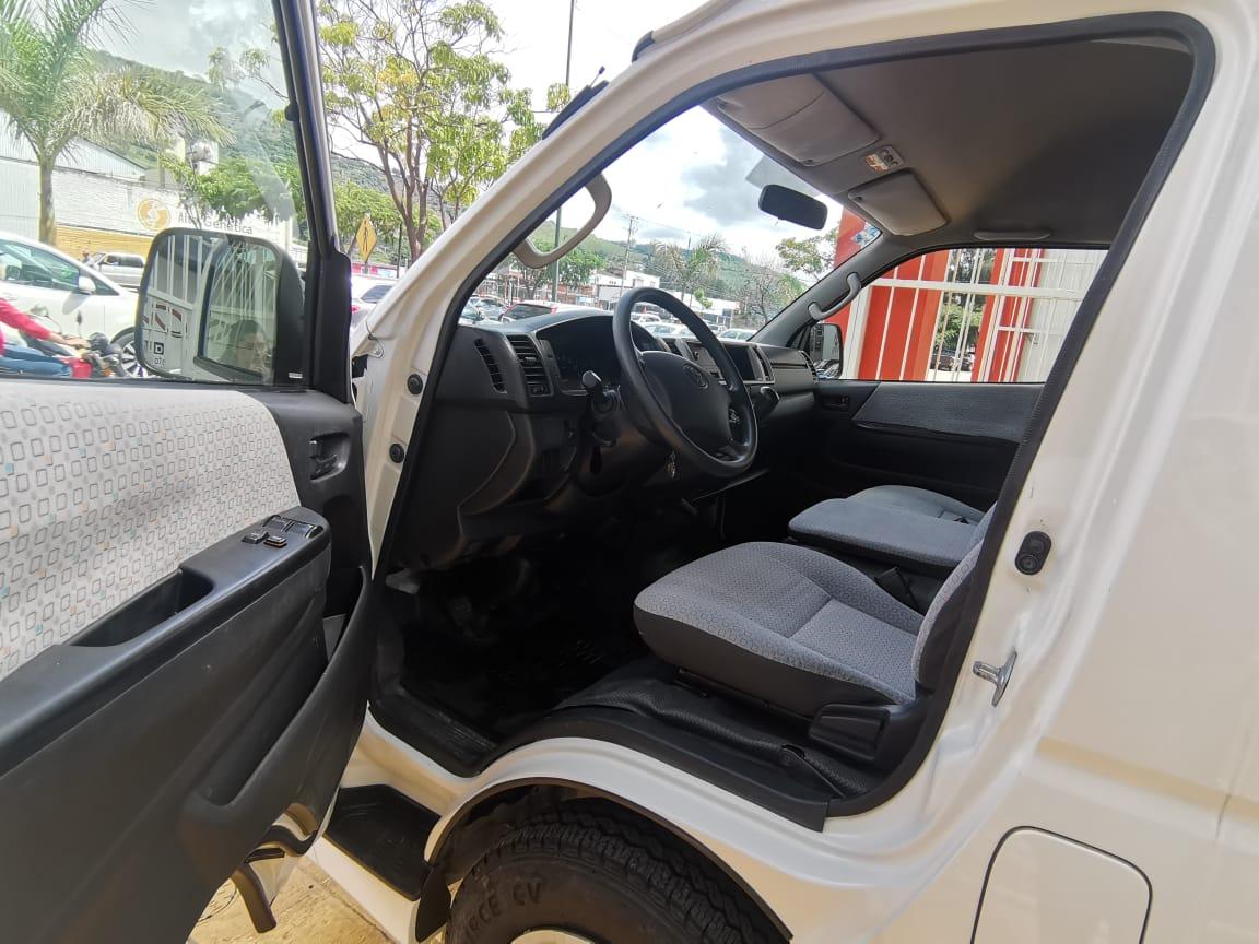 Toyota Hiace, 2018 Bus 15 Pas Mt lleno