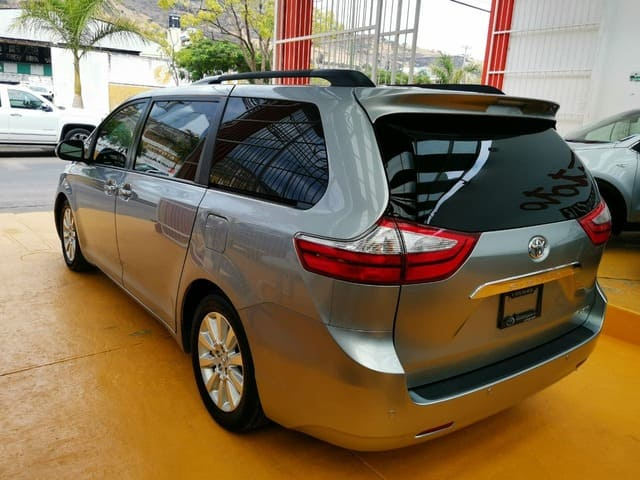 Toyota Sienna, 2016 Limited At lleno