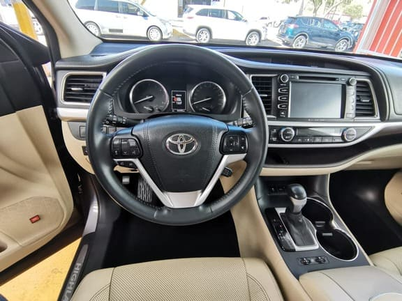 Toyota Highlander, 2016 Limited Panoramic Roof At lleno