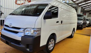 Toyota Hiace panel súper larga