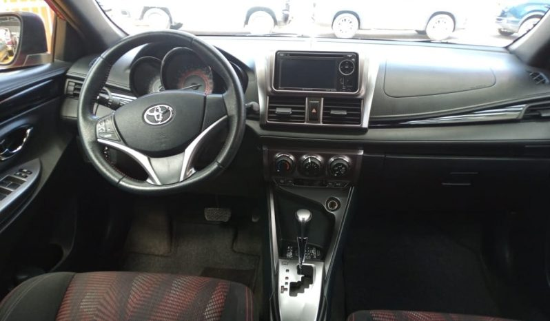 Toyota Yaris, 2017 CVT 5ptas lleno