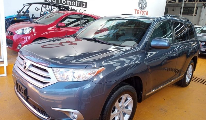 Toyota Highlander base 2013