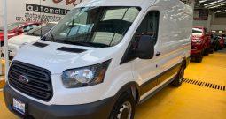 Ford Transit, 2017 Van Mediano con Refrigeración