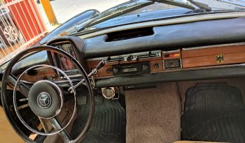1964 Mercedes Benz Sedan 220s lleno