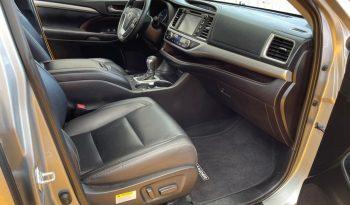 Toyota Highlander, 2019 XLE AT lleno