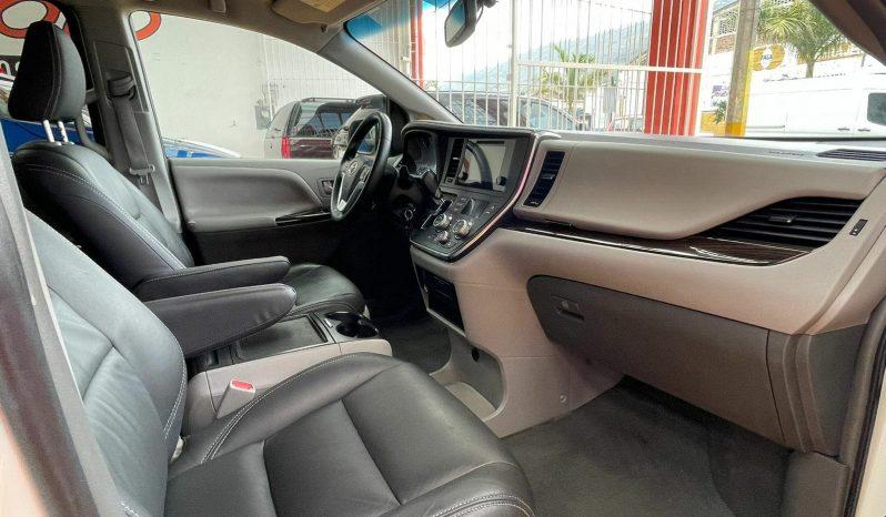 Toyota Sienna, 2015 XLE Piel lleno