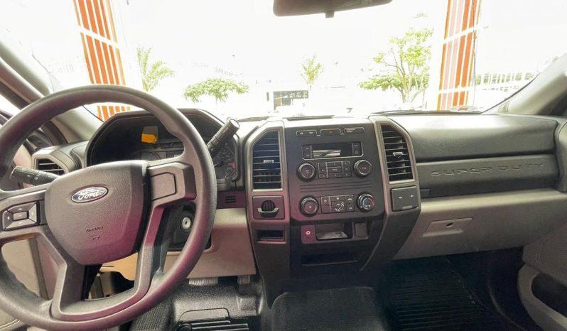 Ford F-550, 2019  Súper Duty lleno