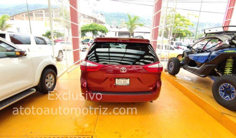 Toyota Sienna, 2016 LE lleno