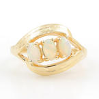Charming Ladies Vintage 14K Yellow Gold Opal 0.30CTW Right Hand Ring