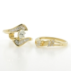 Exquisite Ladies 14K Yellow Gold Diamond Wedding Ring Two Piece Set - 0.88CTW