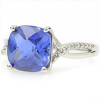 Exquisite Estate Ladies 10K White Gold Blue Sapphire Diamond Cocktail Ring