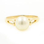 Beautiful Vintage Estate Classic Ladies 14K Yellow Gold Cultured Pearl Ring