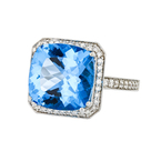 Beautiful Stylish 18K White Gold Women's Diamond & Blue Topaz Ring - Brand New