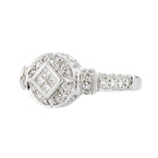 Stunning 18K White Gold Women's Beautiful Diamond Ring - Brand New