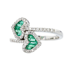 Beautiful & Unique 18K White Gold Diamond & Emerald Heart Shaped Women's Ring - New