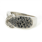 Exquisite Estate Ladies 10K White Gold Black Diamond Heart Ring Right Hand Band