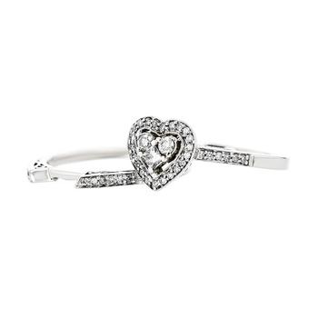 Charming Modern Ladies 14K White Gold Diamond Heart Shaped Design Ring - New