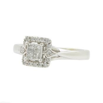 Vintage Estate 10K White Gold Princess Cut Diamond Halo Engagement Ring- 0.38CTW