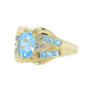 Ladies Estate 10K Yellow Gold Oval Cut Blue Topaz & Diamond Cocktail Ring