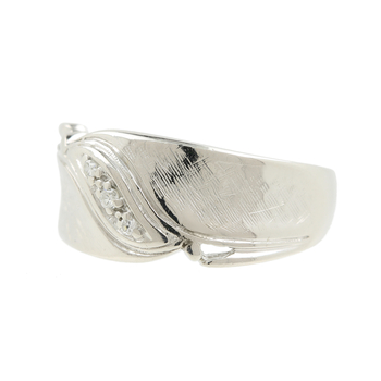 Ladies Vintage Estate 14K Brushed and Polished White Gold Three-Stone Diamond Ring