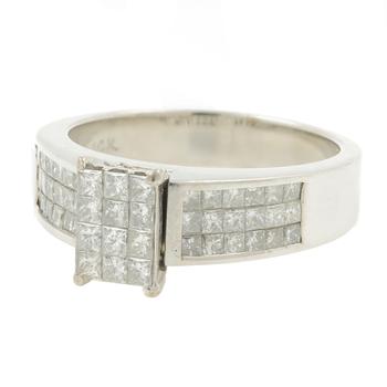 Ladies Classic Estate 14K White Gold Diamond Princess Cut Engagement Ring 1.30CT