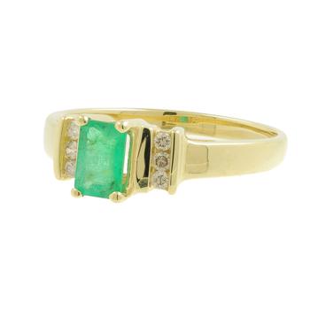 Ladies Vintage Estate 14K Yellow Gold Diamond & Green Emerald Gemstone Ring