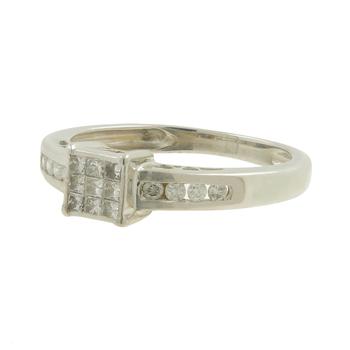 Ladies Vintage Estate 10K White Gold Round & Princess-Cut Diamond Ring - 0.38CTW