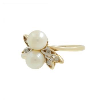 Ladies Estate 14K Yellow Gold Two Cream Pearls & Diamond Bypass Swirl Ring