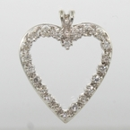 Lovely Ladies Vintage 14k White Gold Diamond 0.33CTW Heart Pendant Jewelry