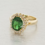 Dazzling Ladies Vintage 14K Yellow Gold Diamond Green Gemstone Ring