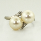 Lovely Vintage Estate Pearl and White Gold Fashion Ring