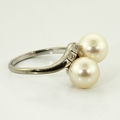 Lustrous Ladies 14K White Gold Vintage Pearl Engraved Ring Jewelry