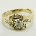 Fabulous 14K Yellow Gold 1.00ctw Diamond Engagement Ring