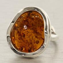 Vintage Estate Ladies 925 Silver Charming Amber Statement Ring