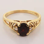 Vintage 10K Yellow Gold Garnet Diamond Right Hand Ring Jewelry