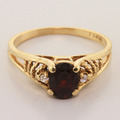 Vintage Ladies 10K Yellow Gold Garnet Diamond 0.80CTW Right Hand Ring Jewelry